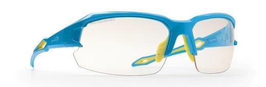 occhiale da running e ciclismo con lenti fotocromtiche fumo colore azzurro