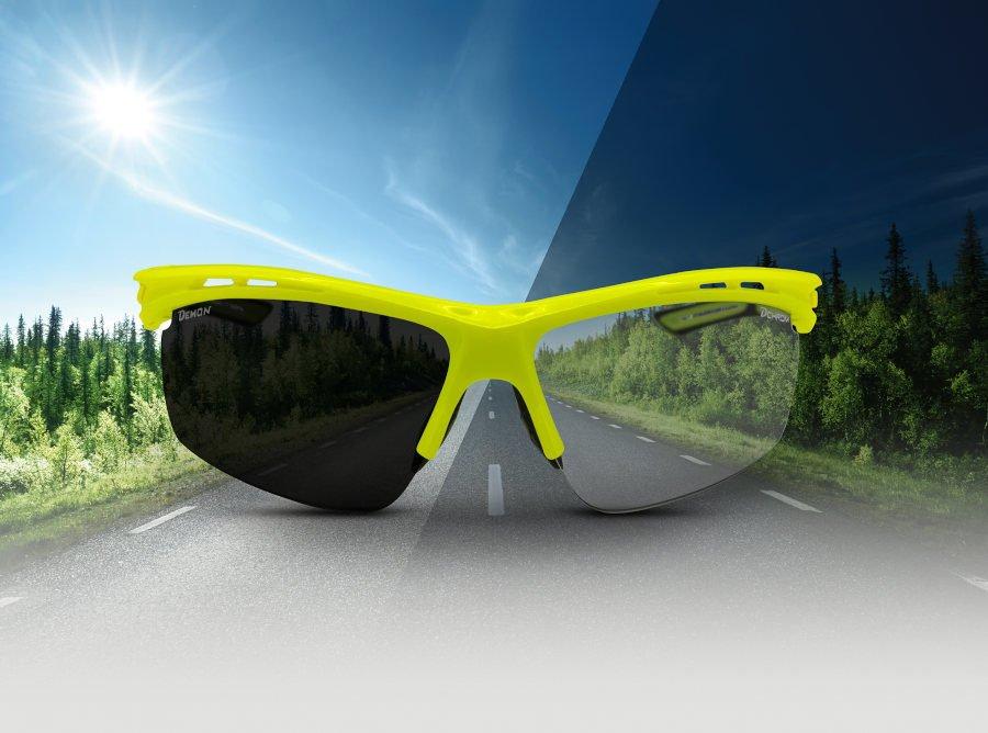occhiale per ciclismo su strada giallo fluo lenti fotocromatiche