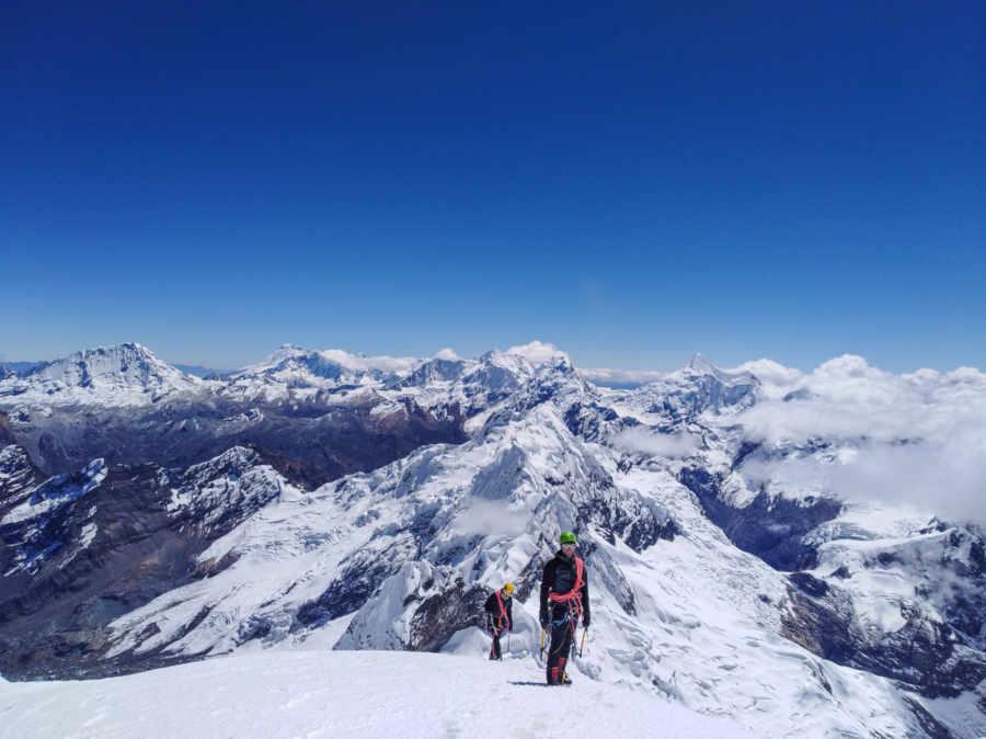 Apinisti indossano occhiali vista sport con lenti categoria 4