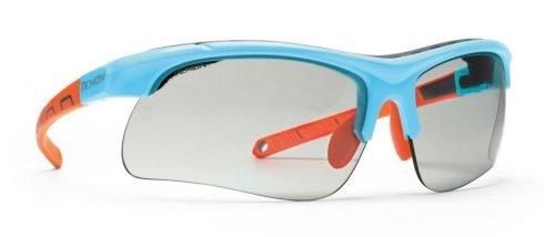 occhiali da running e trail running lenti fotocromatiche dchrom e spugna parasudore modello infinite optic azzurro lucido