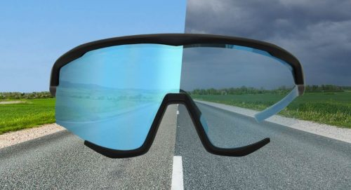 Occhiale da running lente fotocromatica specchiata blu modello wallone per corsa su strada e trail running